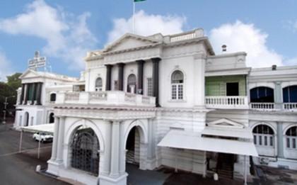 தமிழக அரசு பொறியியல் கல்லூரிகளில் 192 உதவி பேராசிரியர் பணி: டிஆர்பி அறிவிப்பு